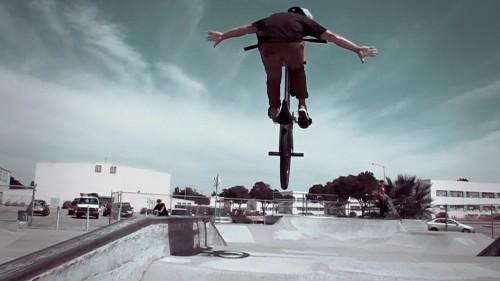 Alameda Skatepark - Dew Sippawit - Tuck No Hander
