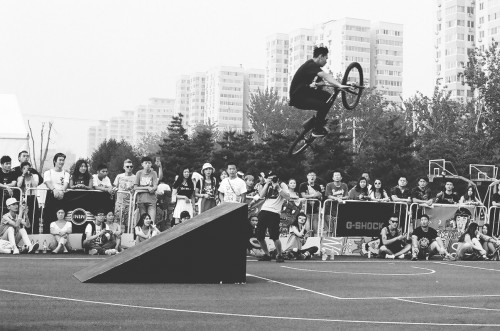35mm - China - Fixed Gear Open 6 - Jaoa Danaikrit - Table Top - BW