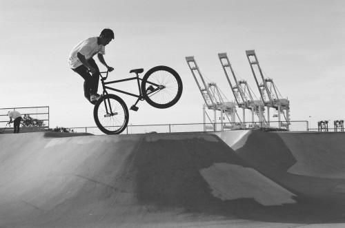 35mm - Jaoa Danaikrit - Alameda Skatepark - Foot Jam Whip