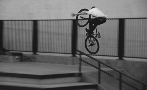 MattReyes_FGFS_SomaWestSkatepark2015_TuckNoHander_DerekChamberlainPhoto