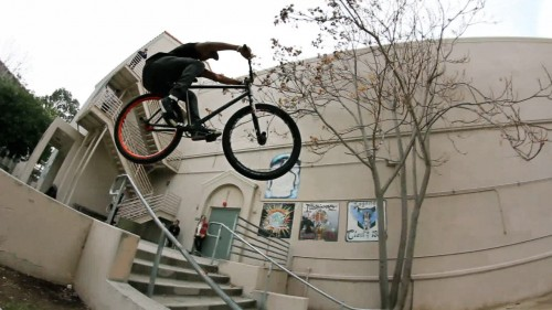 Shredwell2_FGFS_AnthonyCombs_CurbHopRailHop
