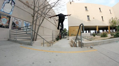Shredwell2_FGFS_AnthonyCombs_TuckNoHander