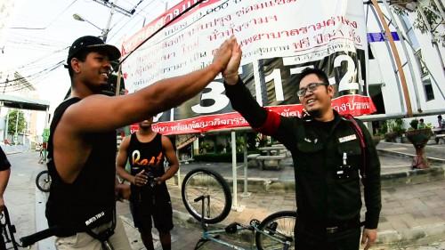 WheelTalk_Thailand2014_DevonLawsonHighFive