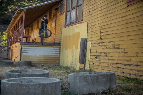 PeterVanNguyen_AbandonedSchool_XUP