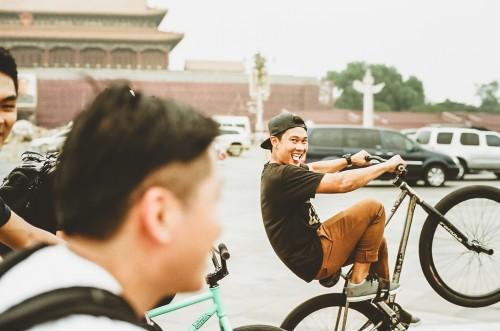 35mm_DewSippawit_TienaminSquareWheelie_FGFSChina2014_