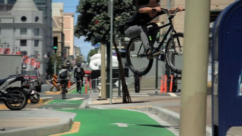TaishiOkuma2015_BikeLaneGap