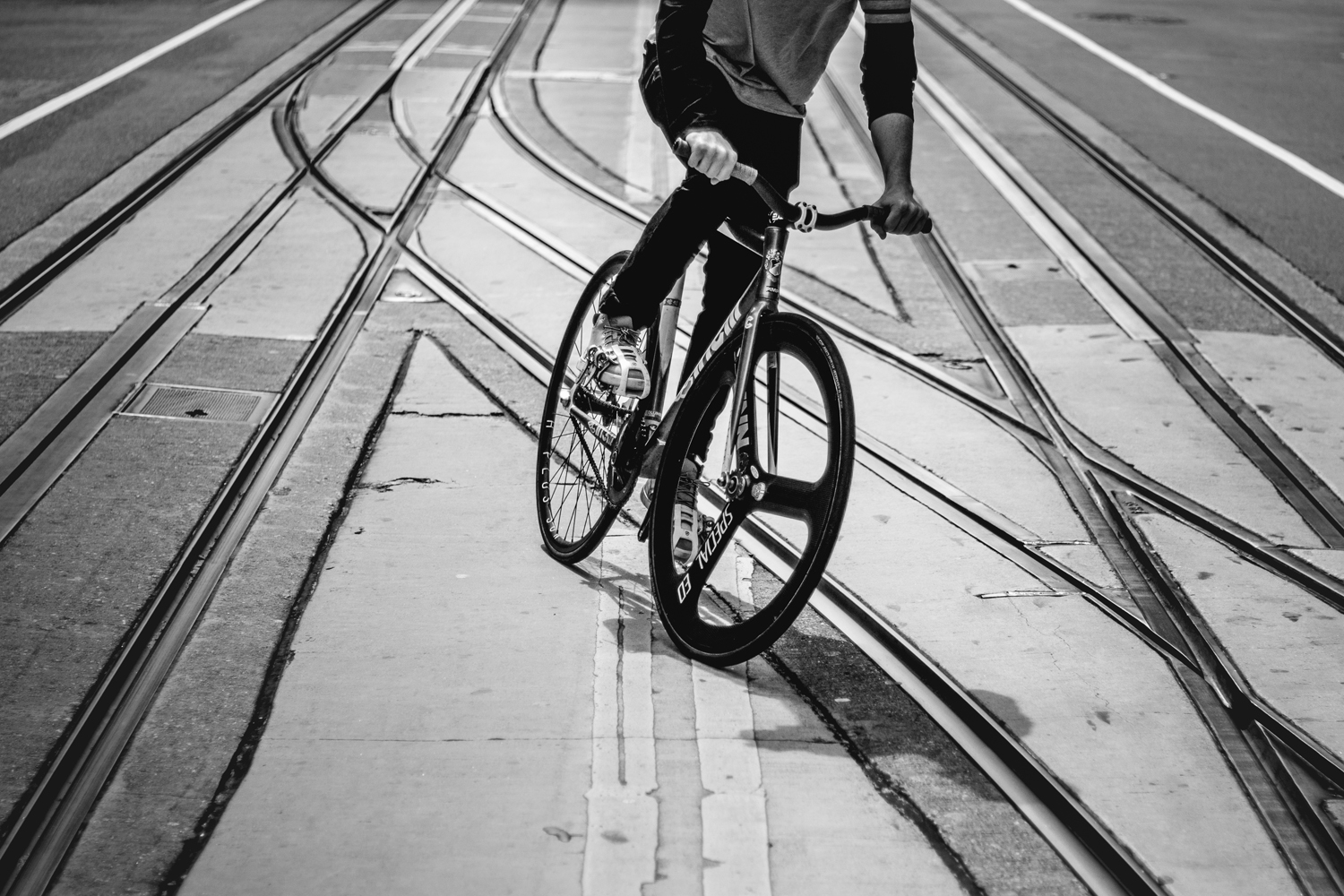 PatrickCurley_FixedGear_CinelliMASHBolt_TrolleyTracks