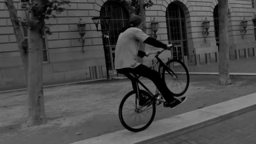 Tarck_FixedGear_WheelTalk_TurfBikes_SF2016_MattReyes_NoFootedWheelie1